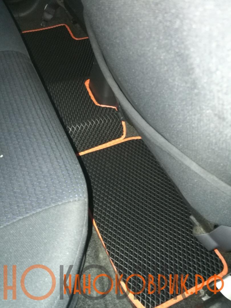 Автомобильные коврики для Suzuki Swift III  (5 дв) 2004-2010